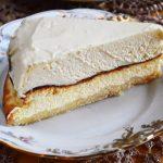 Sernik z musem z białej czekolady - najłatwiejszy sernik z pysznym słodkim kremowym musem