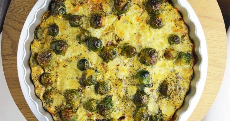Pieczona frittata z brukselką i mozzarellą – najłatwiejszy fit sposób na frittatę