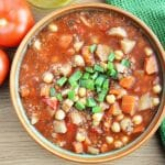 Pomidorowa zupa z soczewicą i ciecierzycą inspirowana marokańską harirą - rozgrzewająca i sycąca zupa idealna na zimę