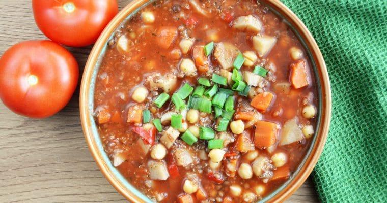 Pomidorowa zupa z soczewicą i ciecierzycą inspirowana marokańską harirą – rozgrzewająca i sycąca zupa idealna na zimę