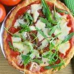 Dietetyczna pizza z twarogu - idealna fit wysokobiałkowa pizza 210 kcal